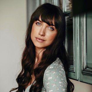 Maiara Walsh Profile Image
