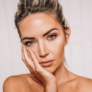Sarah Nicole Landry Profile Image
